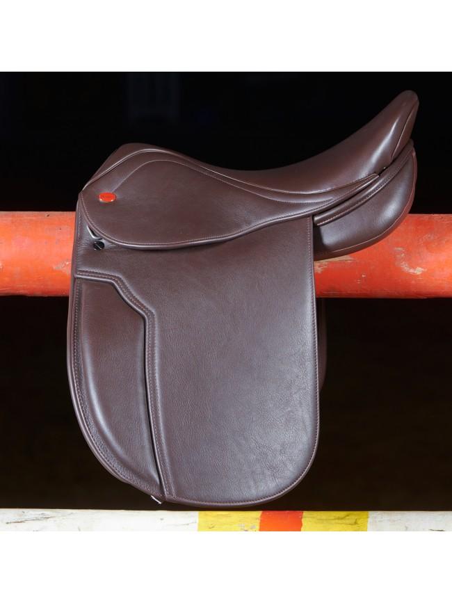"""Ex-Display Hebden Show Hunter Saddle 17.5"""" Light Havana Medium Gullet"""